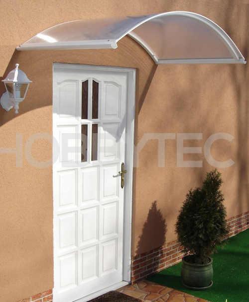 pokykarbonátová stříška nad vchodové dveře