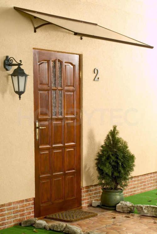 stříška nad dveře v klasickém designu