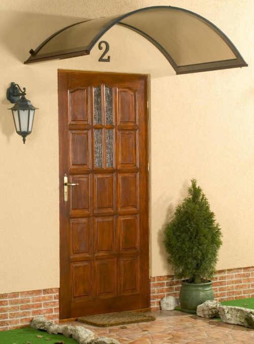 vchodová oblouková stříška nad dveře