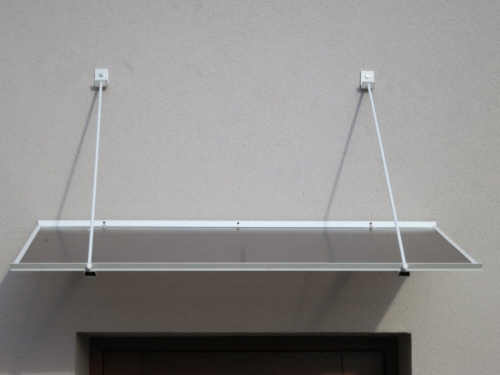 stříška o rozměru 120x70 cm